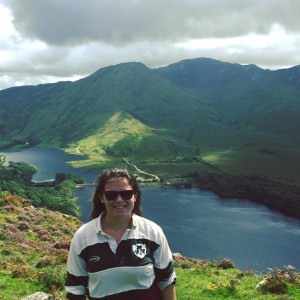 Stunning scenery in Connemara! (This shirt later turned pink during my first run of the washer... Oops!)